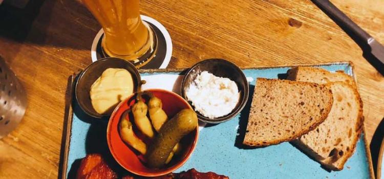 En av verdens beste øl-barer – Zlý Časy i Praha