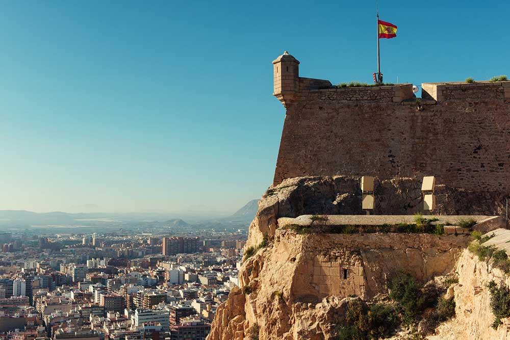 utsikt fra slottet Castillo de Santa Barbara i Alicante