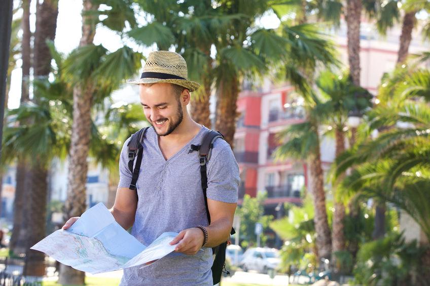 fordeler med å dra på storbyferie alene