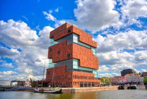 Museum aan de Stroom i antwerpen