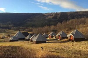 Vestvatn – Arctic Cabins