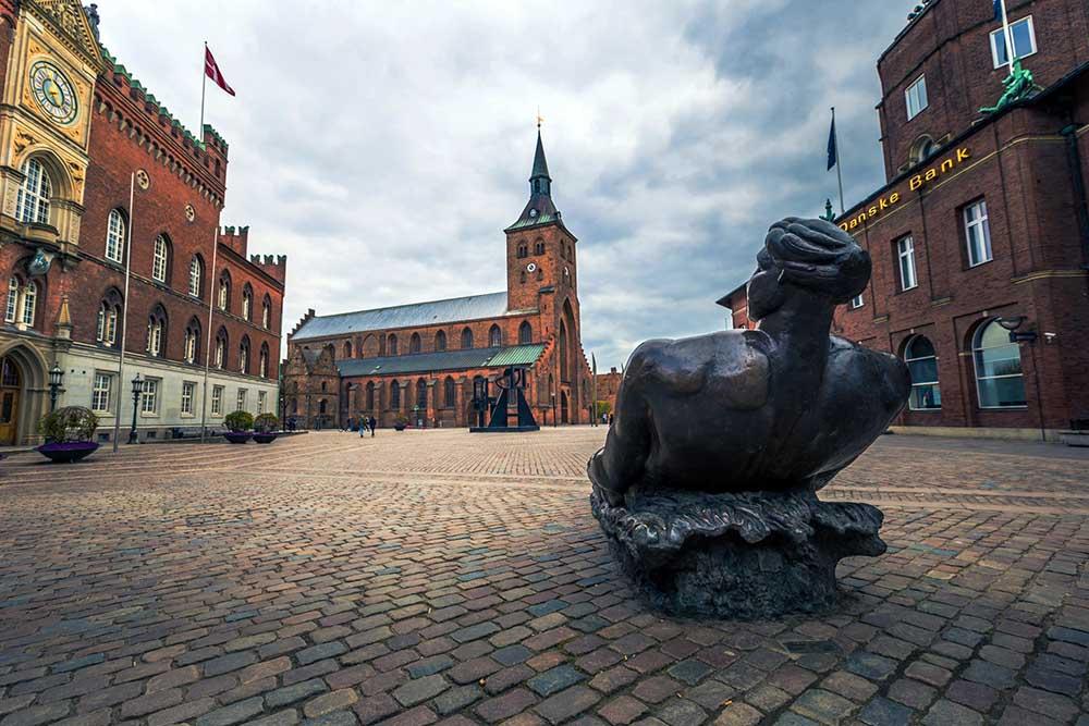 skulptur i odense sentrum